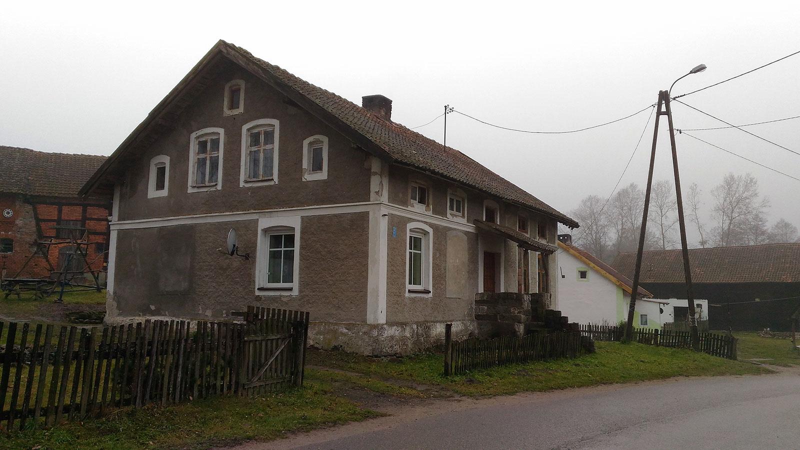 derevenskiy-dom-polsha