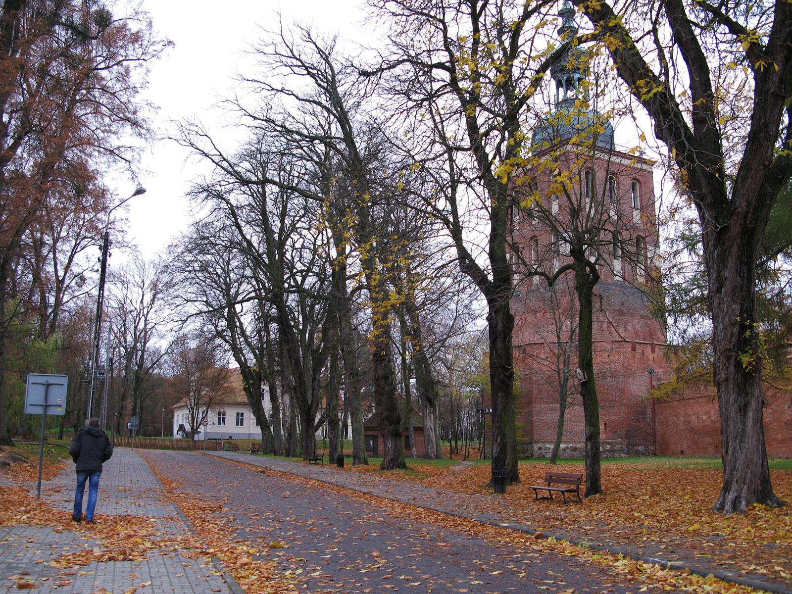 возле замка во Фромборке
