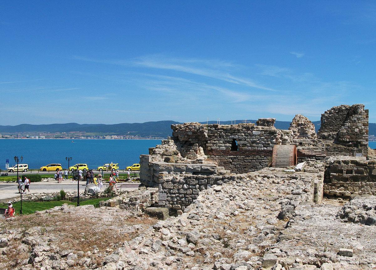ruiny-antichnoy-kreposti