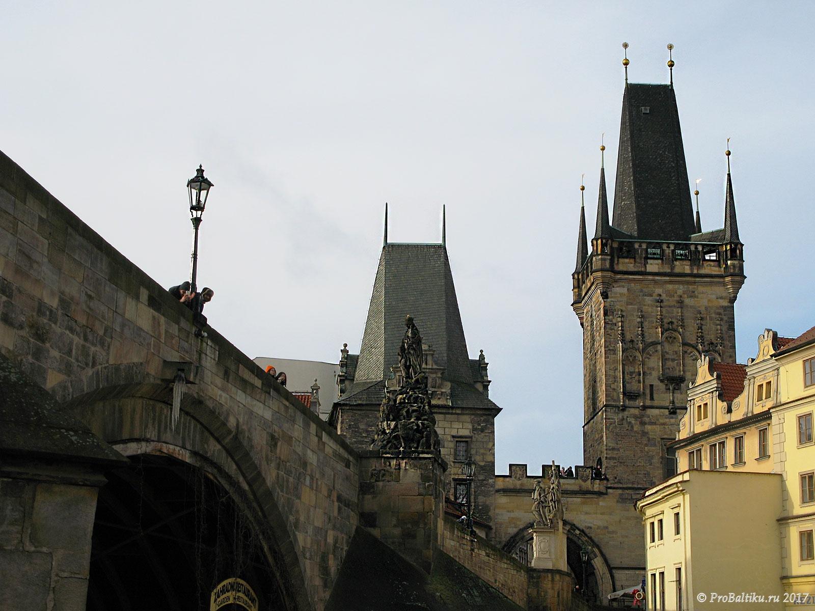 praga-bashni-karlova-mosta