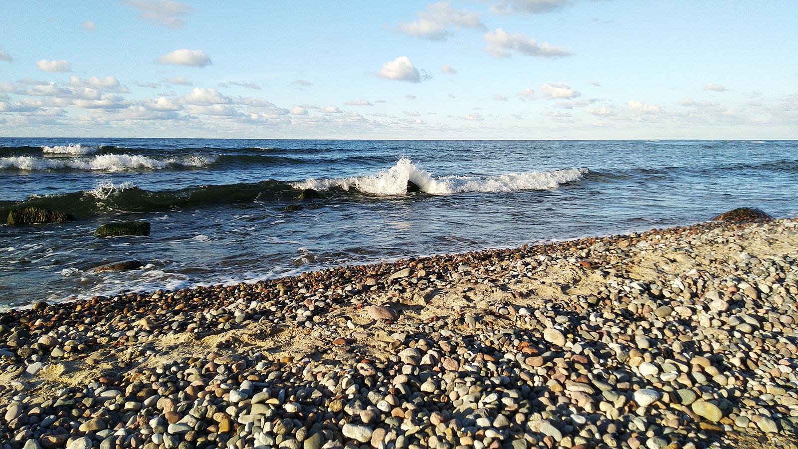 baltiyskoe-more-bereg-v-zaostrovie